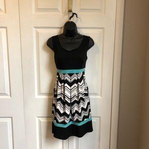 Sleeveless midi color block dress